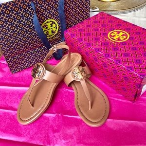 Tory Burch Bryce veg leather Sandals 7.